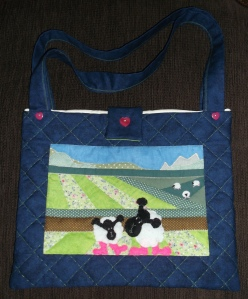 Combining some of my original ideas and patterns I decided to use some recent offcuts from my last project and create a colourful and cute funl tote